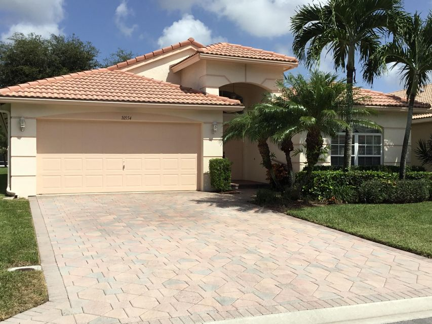 واحد منزل الأسرة للـ Sale في 10554 Sunset Isles Court 10554 Sunset Isles Court Boynton Beach, Florida 33437 United States