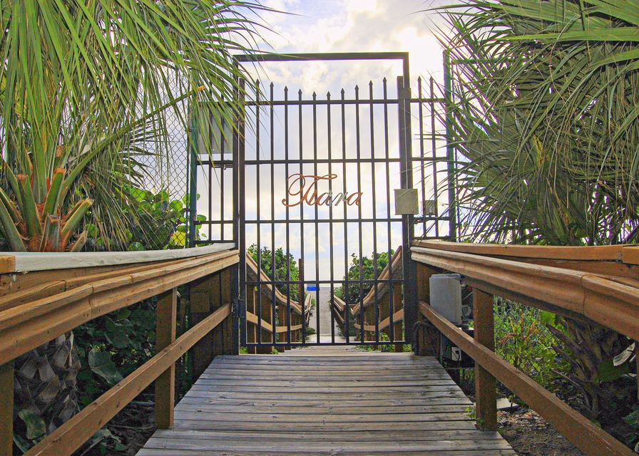 TIARA SINGER ISLAND FLORIDA