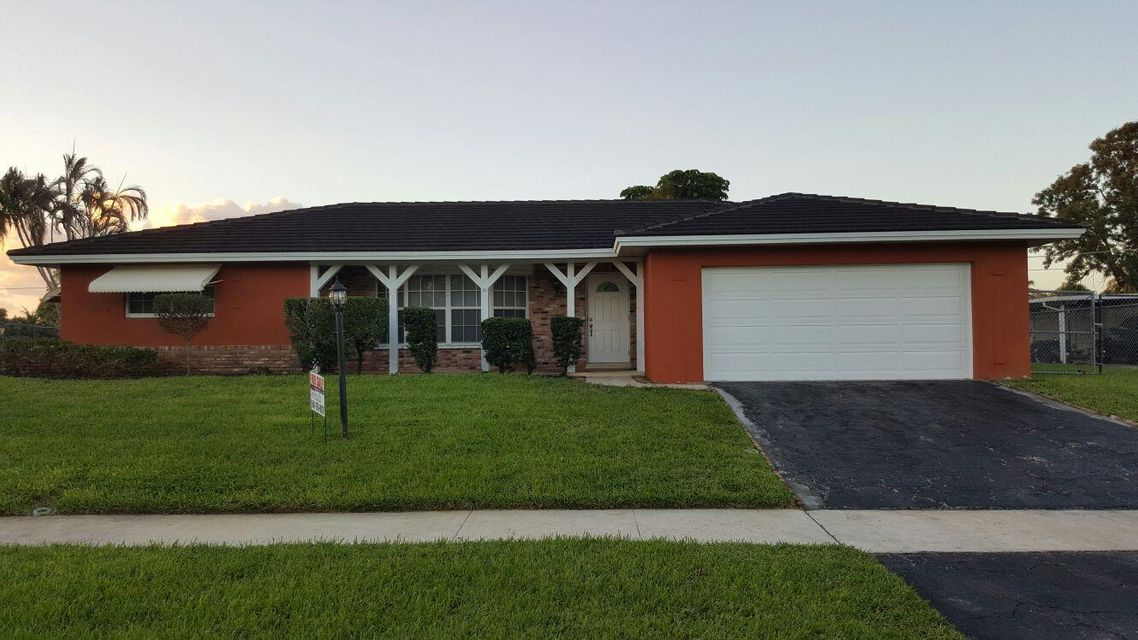 Single Family Home for Sale at 7204 Oakmont Drive Lake Worth, Florida 33467 United States