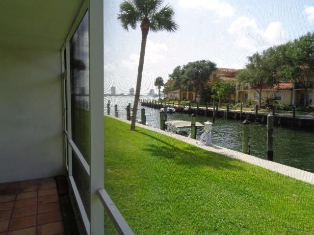 Co-op / Condo for Sale at 120 Lehane Terrace 120 Lehane Terrace North Palm Beach, Florida 33408 United States