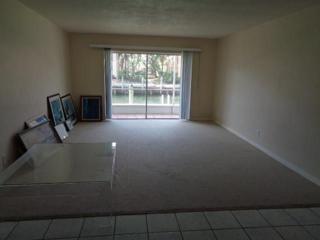 Additional photo for property listing at 120 Lehane Terrace  North Palm Beach, Florida 33408 United States