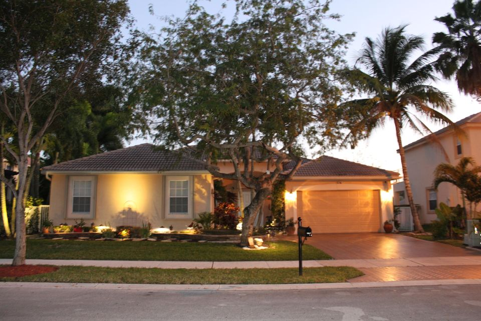 5156 NW 74th Manor, Coconut Creek, FL 33073