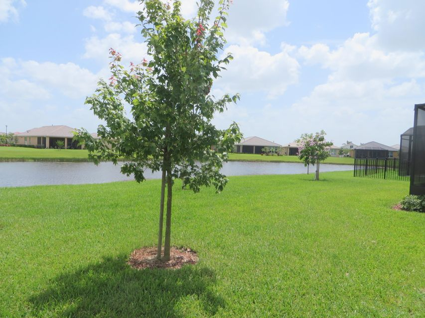 Additional photo for property listing at 10108 SW Cypress Wood Court SW 10108 SW Cypress Wood Court SW Port St. Lucie, Florida 34987 United States