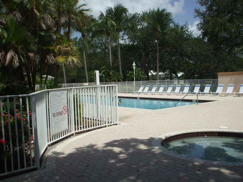 Additional photo for property listing at 401 Sun Terrace Court W 401 Sun Terrace Court W Palm Beach Gardens, Florida 33403 Estados Unidos