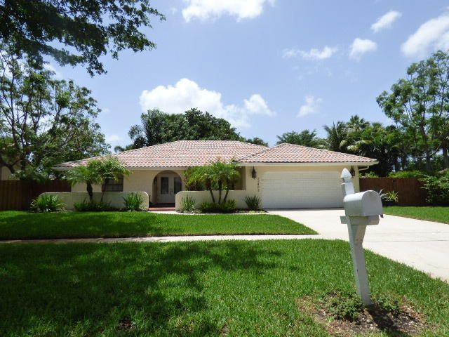 Single Family Home for Sale at 23402 Boca Chica Circle Boca Raton, Florida 33433 United States