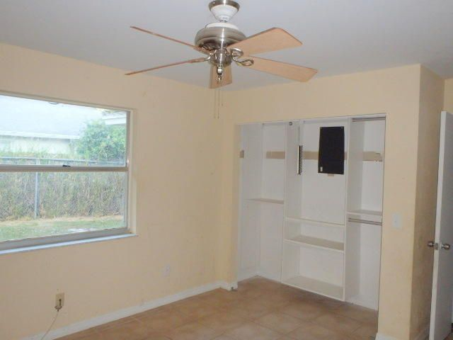 Additional photo for property listing at 762 NW Avens Street  Port St. Lucie, Florida 34983 Estados Unidos