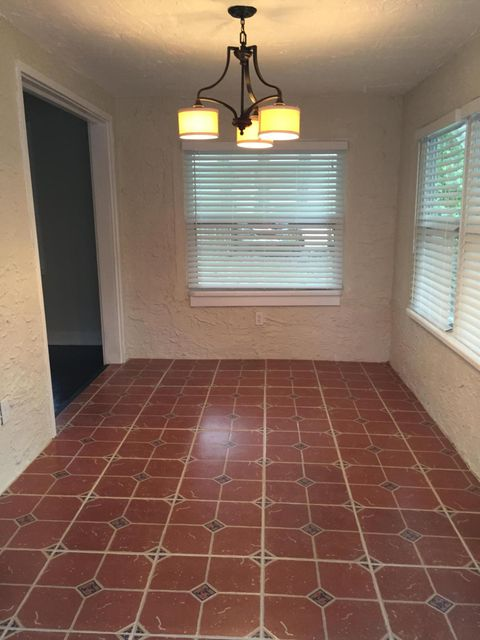 Additional photo for property listing at 6704 Garden Avenue  West Palm Beach, Florida 33405 United States
