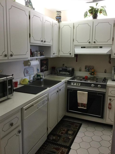 Additional photo for property listing at 9355 SW 8th Street  Boca Raton, Florida 33428 United States