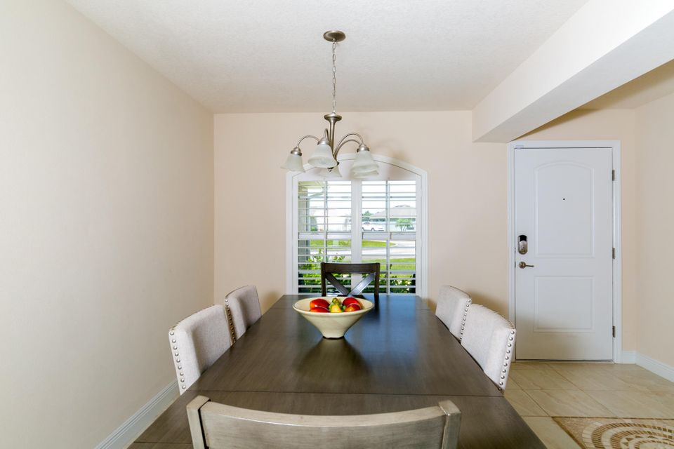 Additional photo for property listing at 5862 NW Jannebo Court 5862 NW Jannebo Court Port St. Lucie, Florida 34986 United States