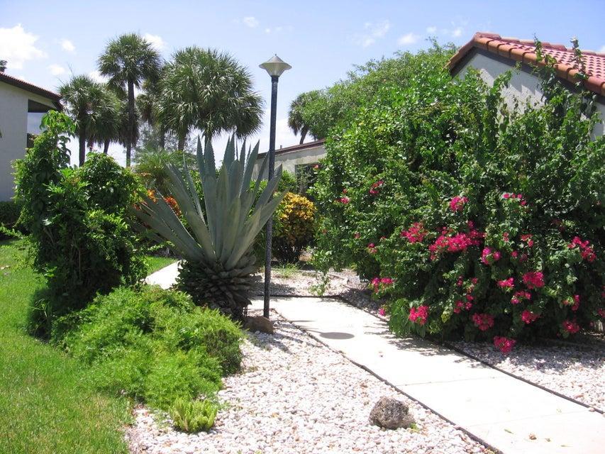 Villa for Sale at 8208 Casa Del Lago 8208 Casa Del Lago Boca Raton, Florida 33433 United States