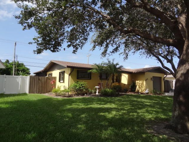 Additional photo for property listing at 277 Riverside Drive  Palm Beach Gardens, Florida 33410 United States