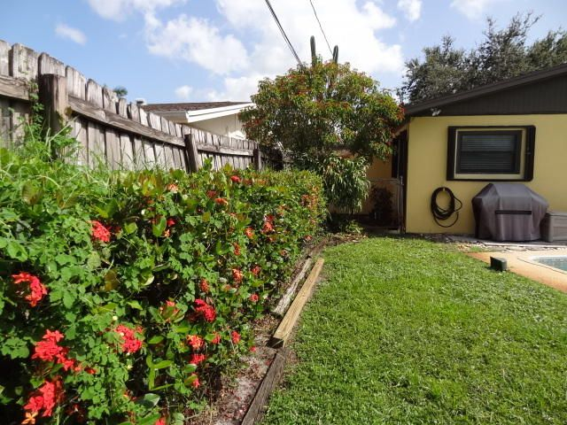 Additional photo for property listing at 277 Riverside Drive  Palm Beach Gardens, Florida 33410 États-Unis