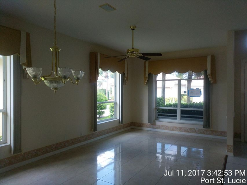 Additional photo for property listing at 644 NW San Candido Way 644 NW San Candido Way Port St. Lucie, Florida 34986 Estados Unidos