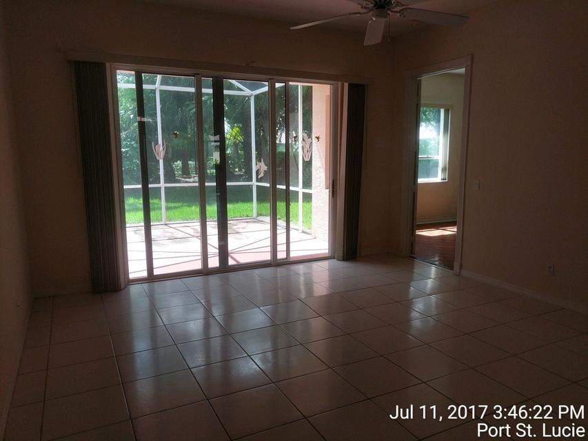 Additional photo for property listing at 644 NW San Candido Way 644 NW San Candido Way Port St. Lucie, Florida 34986 United States