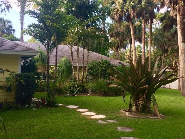 Additional photo for property listing at 9607 169th Court N  Jupiter, Florida 33478 United States