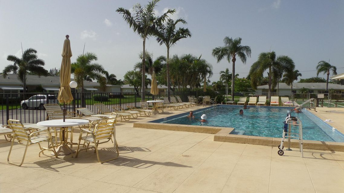 Co-op / Condo للـ Sale في 3241 Ridge Hill Road Boynton Beach, Florida 33435 United States