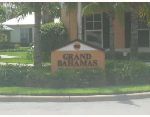 Additional photo for property listing at 955 NW 17th Avenue  Delray Beach, Florida 33445 Estados Unidos