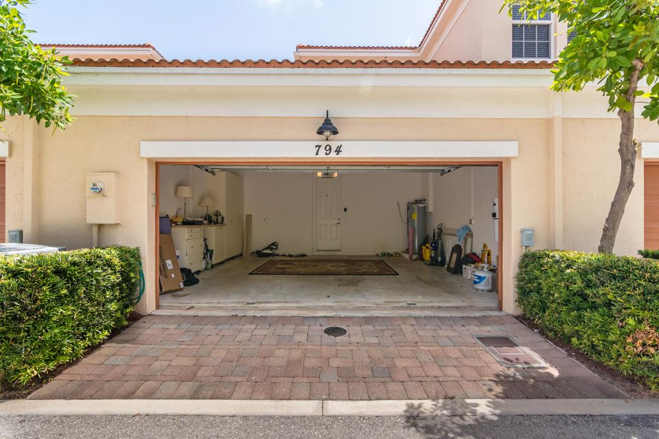 Additional photo for property listing at 794 NW 83rd Lane  Boca Raton, Florida 33487 Vereinigte Staaten