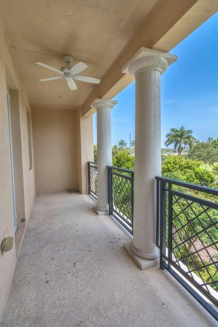 Additional photo for property listing at 794 NW 83rd Lane  Boca Raton, Florida 33487 Estados Unidos