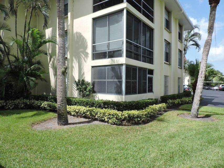 5520 Tamberlane Circle 107, Palm Beach Gardens, FL 33418