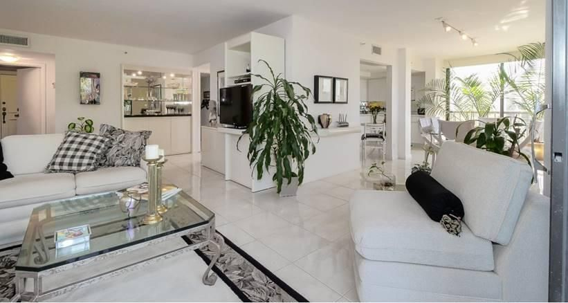 Additional photo for property listing at 7754 Lakeside Boulevard  Boca Raton, Florida 33434 Vereinigte Staaten