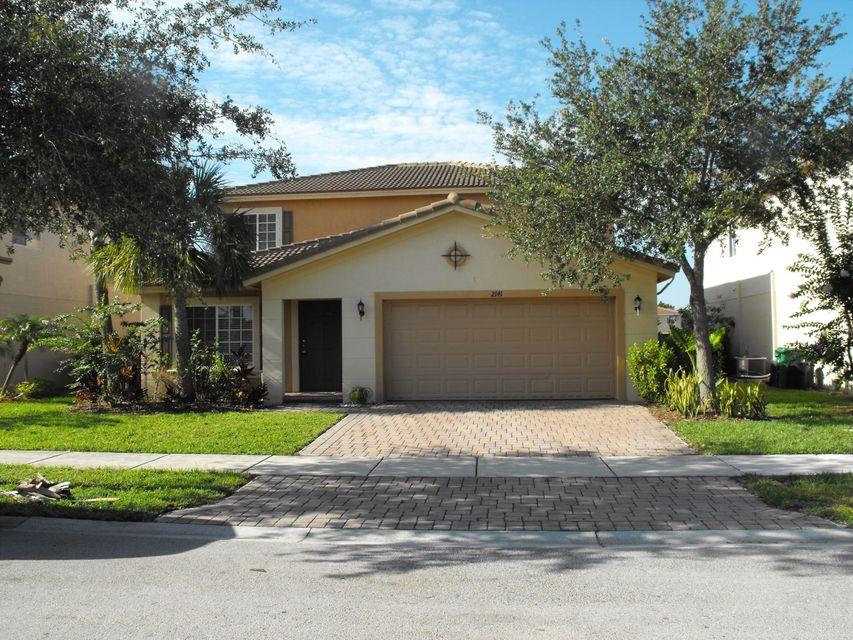 Additional photo for property listing at 2141 SW Newport Isles Boulevard 2141 SW Newport Isles Boulevard Port St. Lucie, Florida 34953 United States