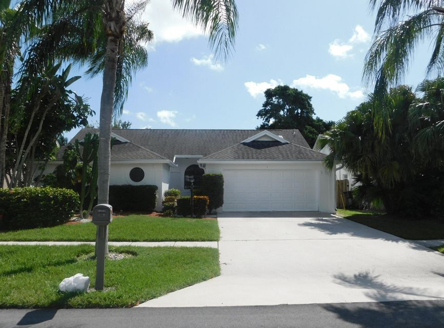 واحد منزل الأسرة للـ Sale في 13025 Meadowbreeze Drive Wellington, Florida 33414 United States