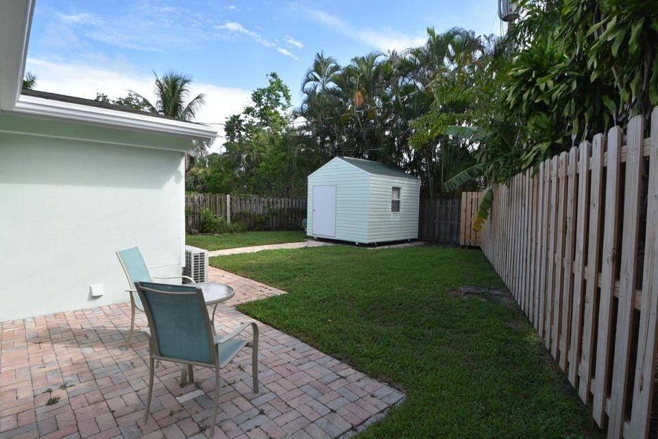 Additional photo for property listing at 301 Enfield Road  Delray Beach, Florida 33444 Estados Unidos