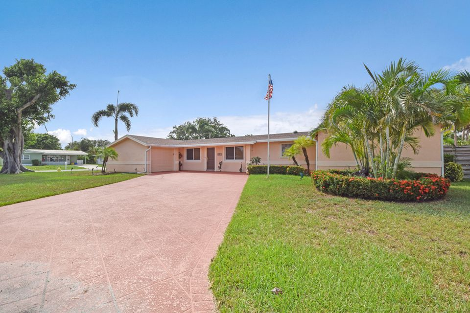 518 Iris Circle , Palm Beach Gardens FL 33410 is listed for sale as MLS Listing RX-10356726 30 photos