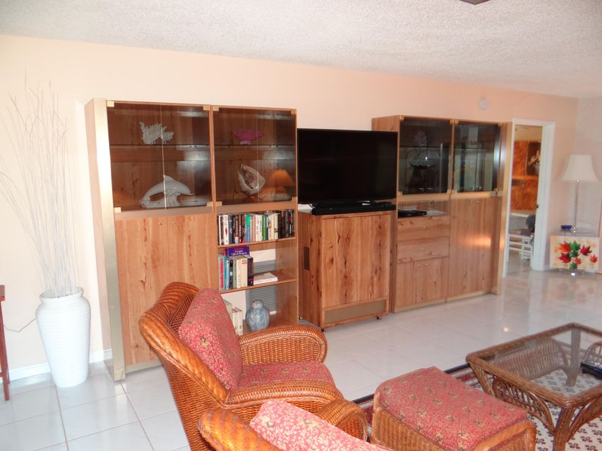 Additional photo for property listing at 6410 Lakemont Circle  Greenacres, 佛罗里达州 33463 美国
