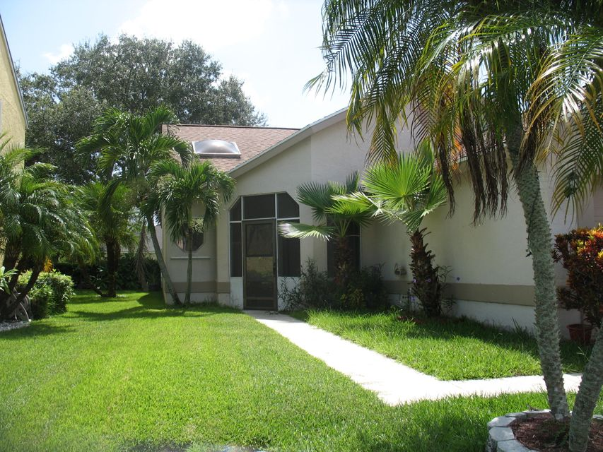 Single Family Home for Sale at 1042 Fairfax Circle W Boynton Beach, Florida 33436 United States