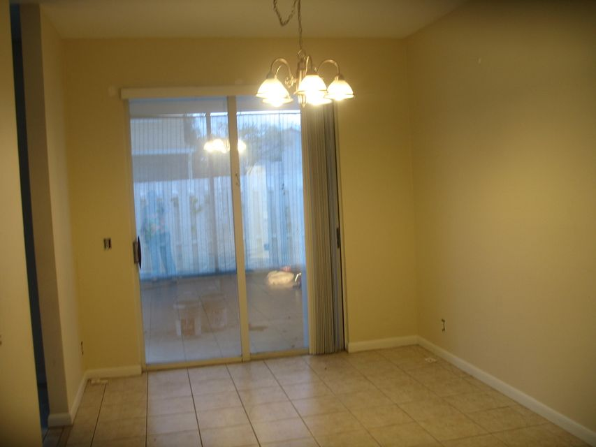 Additional photo for property listing at 1042 Fairfax Circle W  Boynton Beach, Florida 33436 United States