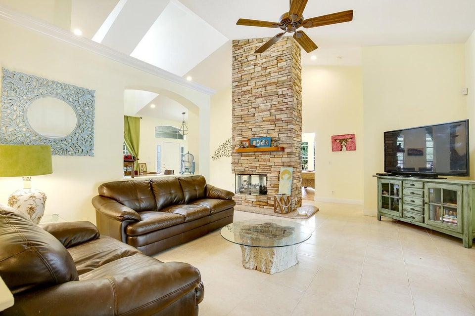 Additional photo for property listing at 13105 Raymond Drive 13105 Raymond Drive Loxahatchee Groves, 佛罗里达州 33470 美国