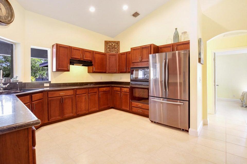 Additional photo for property listing at 13105 Raymond Drive 13105 Raymond Drive Loxahatchee Groves, Florida 33470 États-Unis