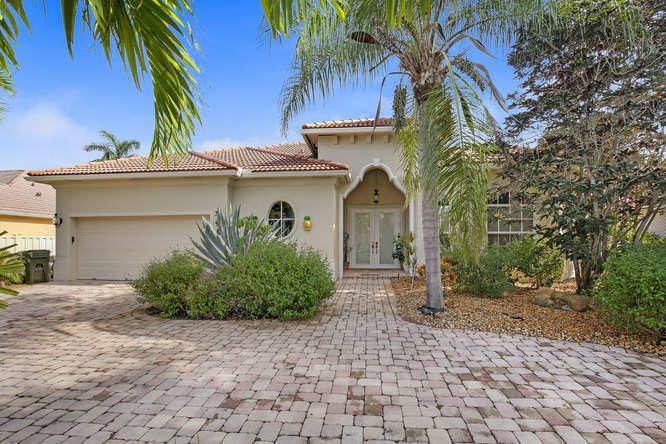 957 Greensward Lane, Delray Beach, FL 33445