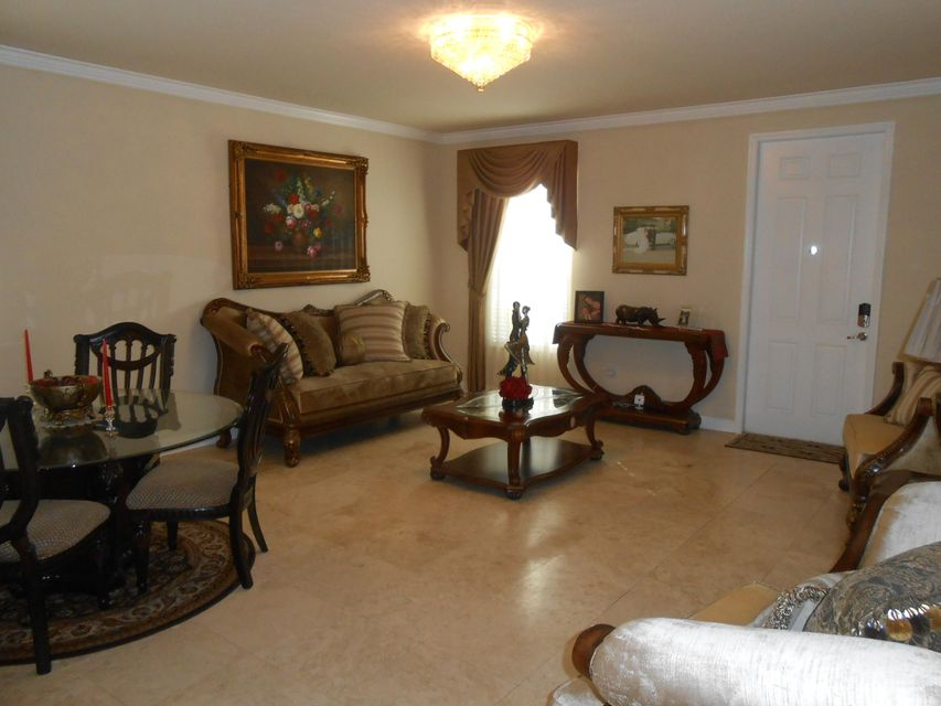 Additional photo for property listing at 17056 SW 91st Terrace  Miami, Florida 33196 Estados Unidos
