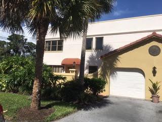68 Uno Lago Drive, North Palm Beach, FL 33408