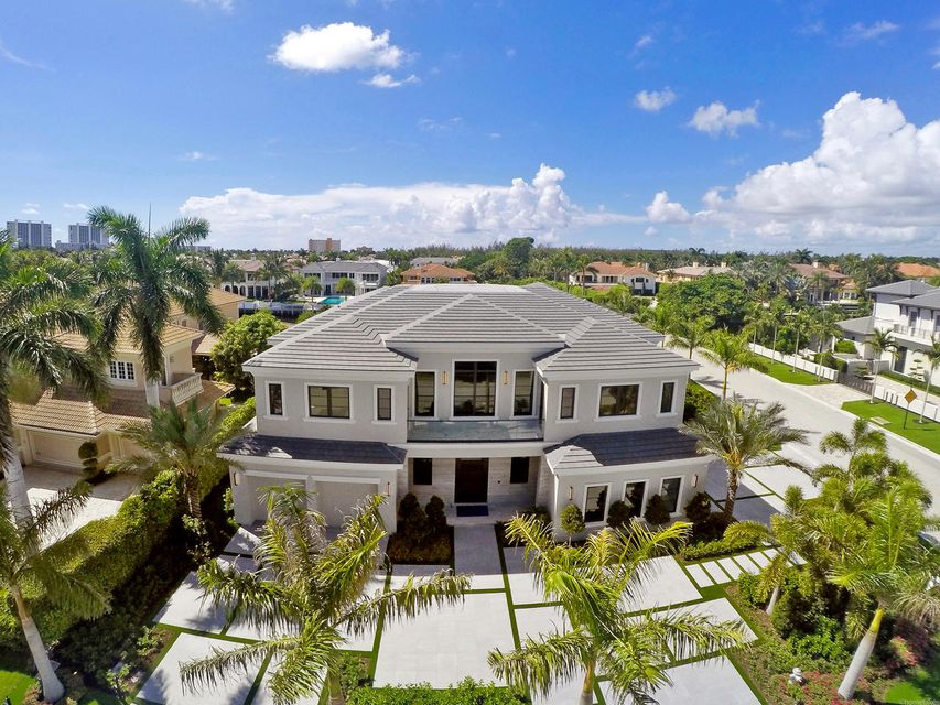 2020  Royal Palm Way , Boca Raton FL 33432 is listed for sale as MLS Listing RX-10356916 photo #5