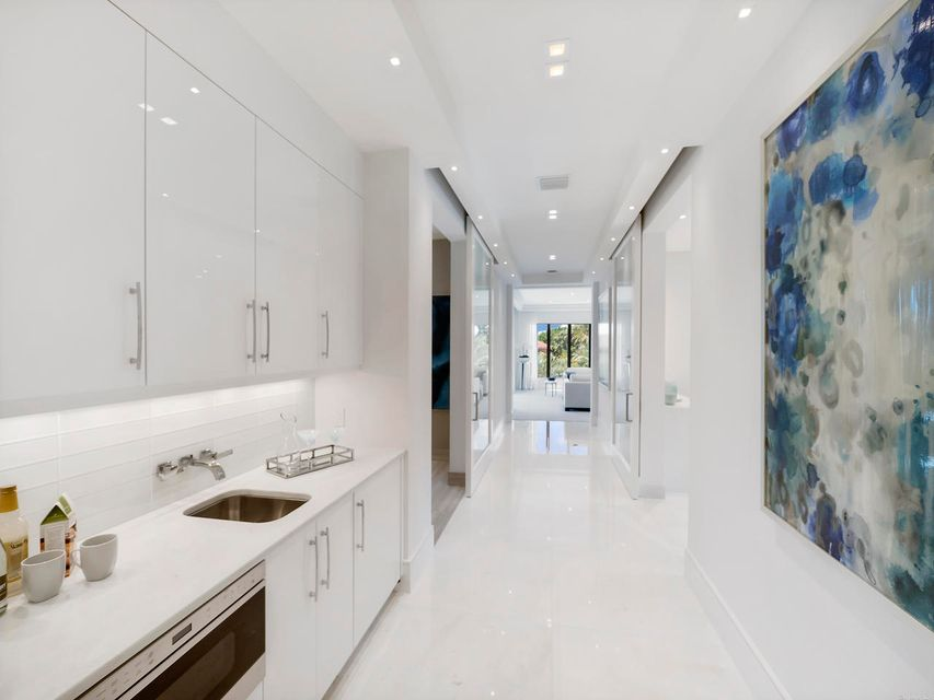 2020  Royal Palm Way , Boca Raton FL 33432 is listed for sale as MLS Listing RX-10356916 photo #33
