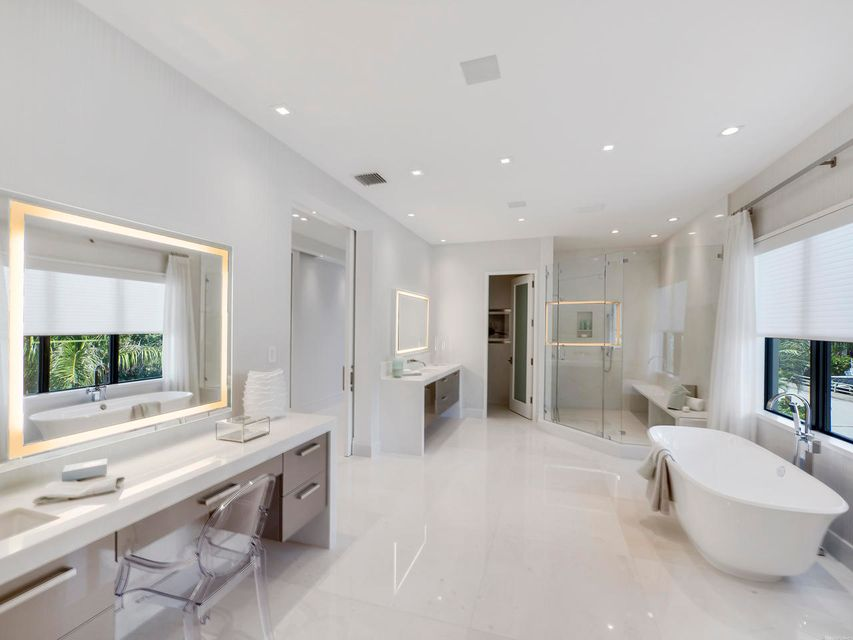2020  Royal Palm Way , Boca Raton FL 33432 is listed for sale as MLS Listing RX-10356916 photo #35