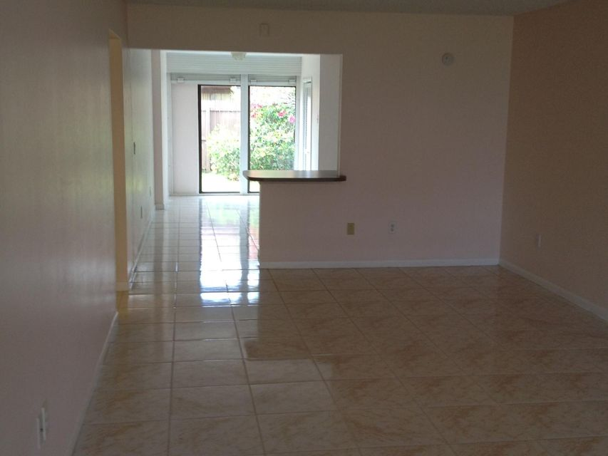 Additional photo for property listing at 5971 Forest Hill Boulevard  West Palm Beach, Florida 33415 United States