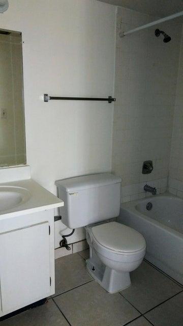 Additional photo for property listing at 2050 N Congress Avenue  West Palm Beach, Florida 33401 Estados Unidos