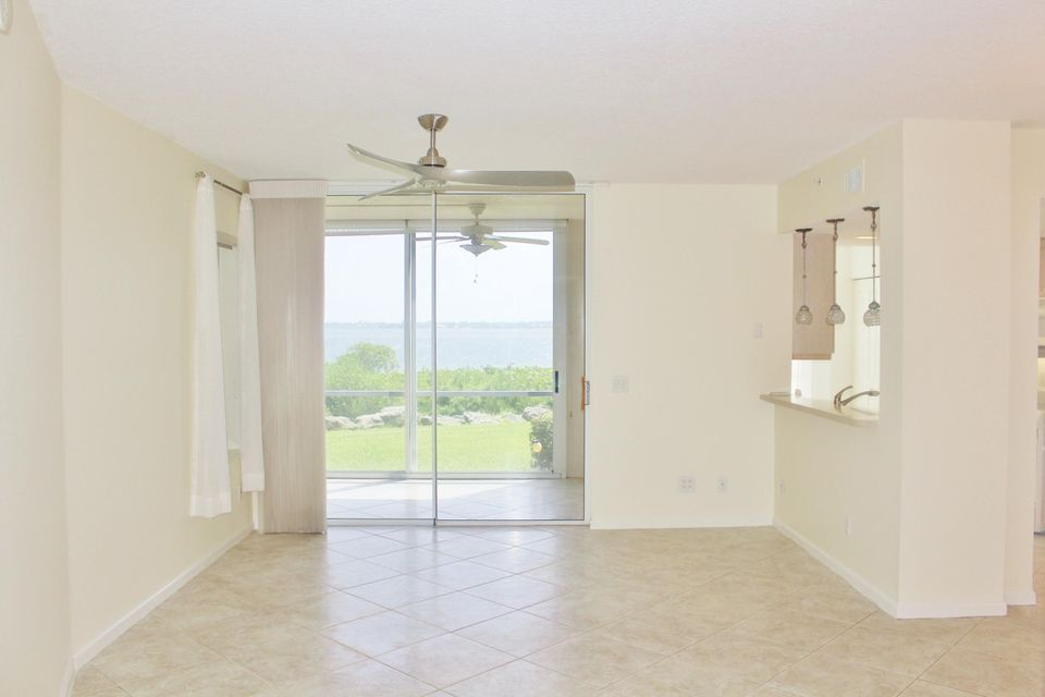 Additional photo for property listing at 5800 NE Island Cove Way  Stuart, Florida 34996 United States