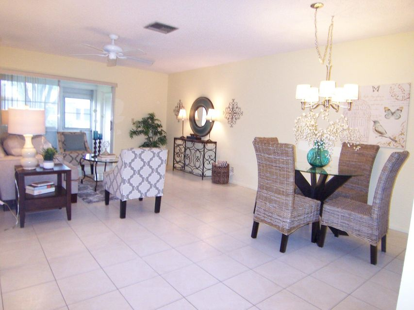 Additional photo for property listing at 2703 W Dudley Drive 2703 W Dudley Drive West Palm Beach, Florida 33415 United States