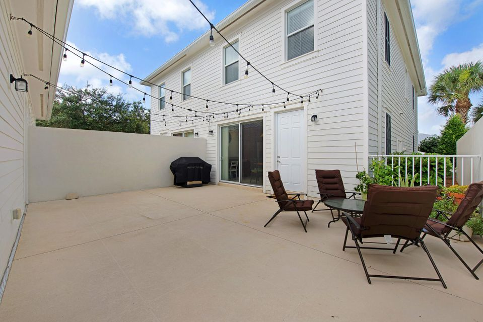 Additional photo for property listing at 3327 Duncombe Drive  Jupiter, Florida 33458 United States