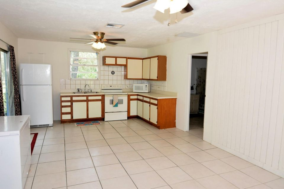 Additional photo for property listing at 4499 SW Cherokee Street 4499 SW Cherokee Street Palm City, Florida 34990 United States