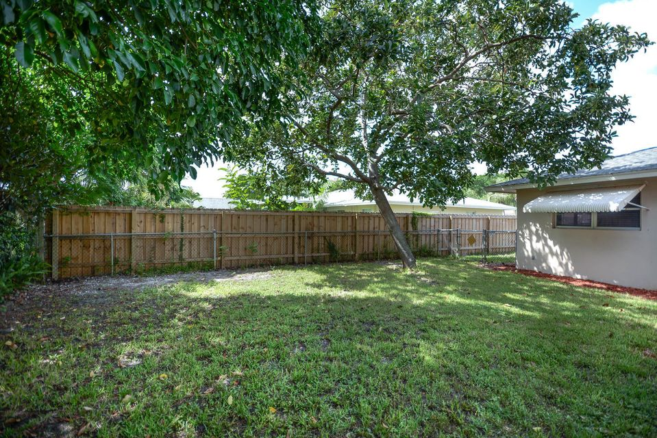 Additional photo for property listing at 493 Dover Road 493 Dover Road Tequesta, Florida 33469 United States