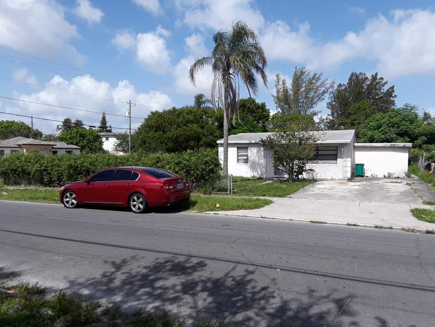 Additional photo for property listing at 1241 S E Street  Lake Worth, Florida 33460 Vereinigte Staaten