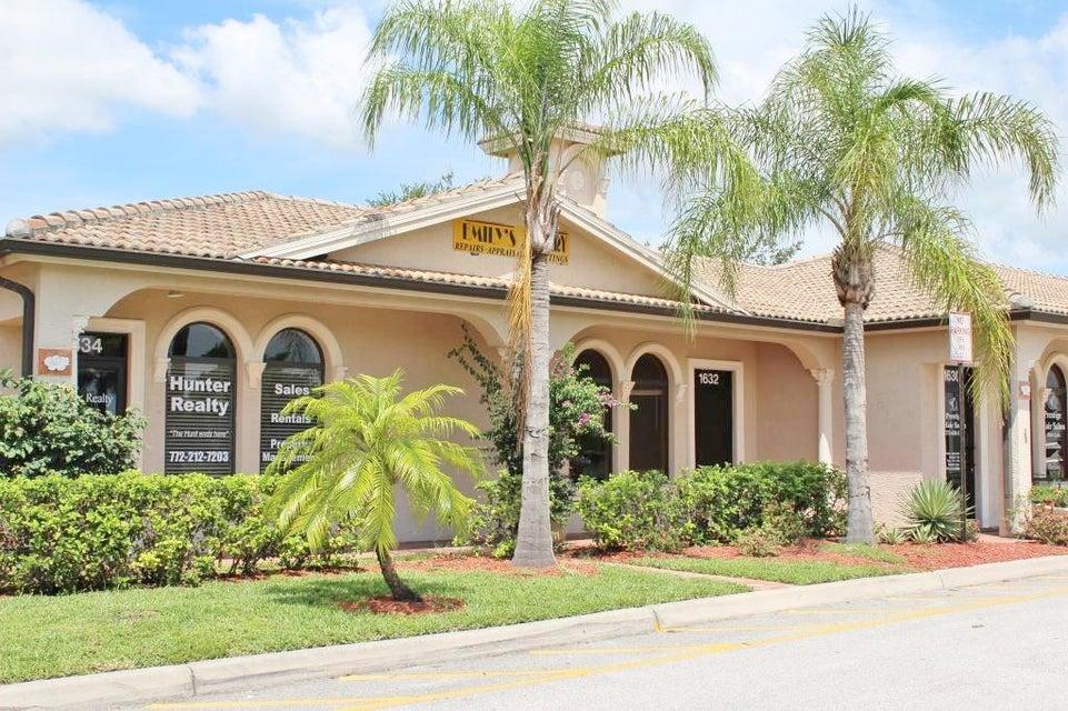 Commercial / Industriel pour l à louer à 1632 SW Bayshore Boulevard 1632 SW Bayshore Boulevard Port St. Lucie, Florida 34984 États-Unis