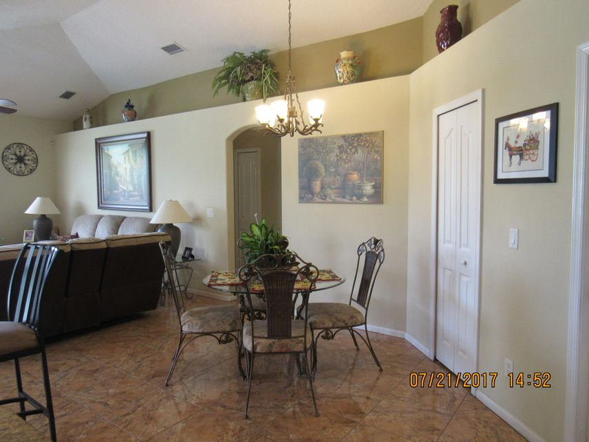 Additional photo for property listing at 2443 SE Tracy Avenue  Port St. Lucie, Florida 34952 Vereinigte Staaten